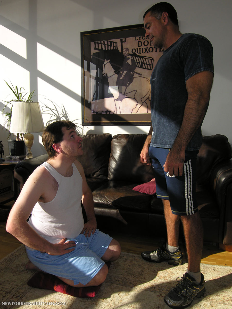 New-York-Straight-Men-Vincent-Hairy-Muscle-Daddy-01 Amateur Hairy Muscle Daddy Gets His Thick Uncut Cock Serviced
