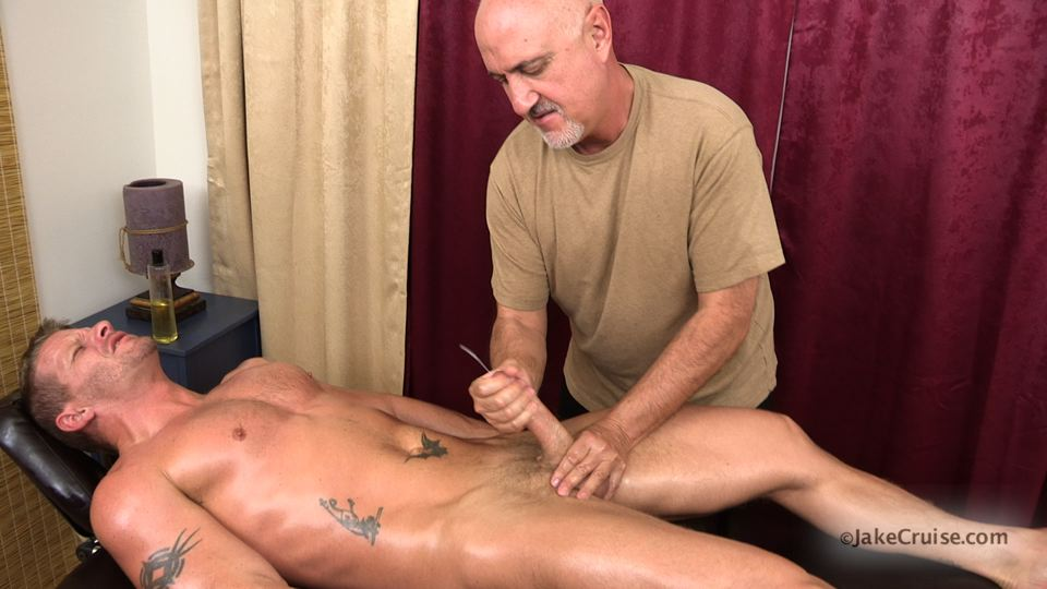 Jake-Cruise-Jeremy-Stevens-Massaged-Blowjob-14 Amateur Daddy Gives His Younger Friend a Massage and Blowjob