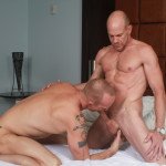 Bareback That Hole Parker and Mason Garet Muscle Daddy Barebacking 01 150x150 Amateur Muscle Daddy Fucks His Buddy Bareback With His Big Cock