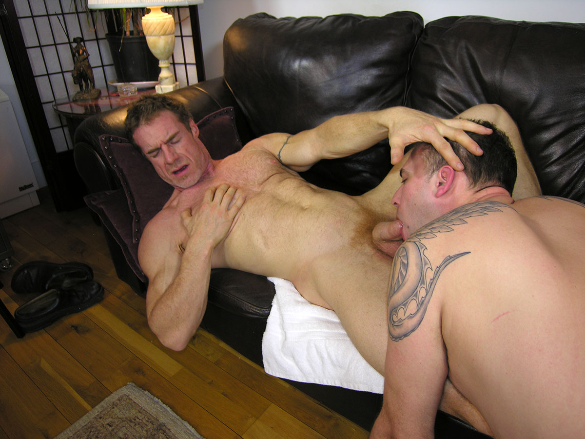 New-York-Straight-Men-Jamie-and-Trey-Redhead-Straight-Guy-Gets-a-Blowjob-from-A-Gayguy-Ginger-Daddy-11 Amateur Straight Redhead Daddy Gets His Ginger Cock Worshipped