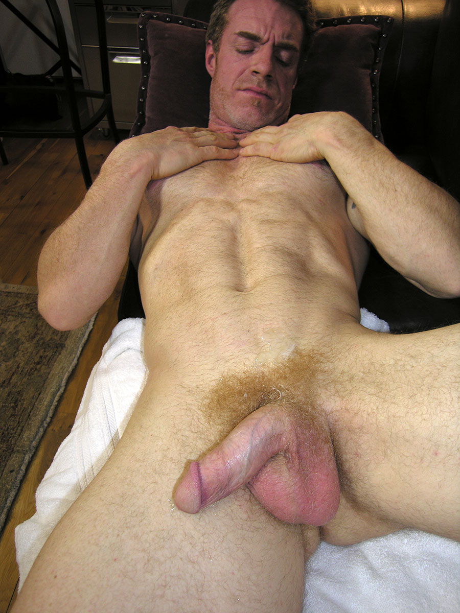 New-York-Straight-Men-Jamie-and-Trey-Redhead-Straight-Guy-Gets-a-Blowjob-from-A-Gayguy-Ginger-Daddy-12 Amateur Straight Redhead Daddy Gets His Ginger Cock Worshipped