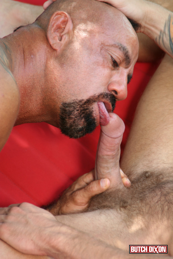 Butch Dixon Bo Bangor and Drake Jaden Barebacking Daddy Muscle Tatted Stud Amateur Gay Porn 11 Tatted Muscle Daddy Fucks His Younger New Neighbor Outside