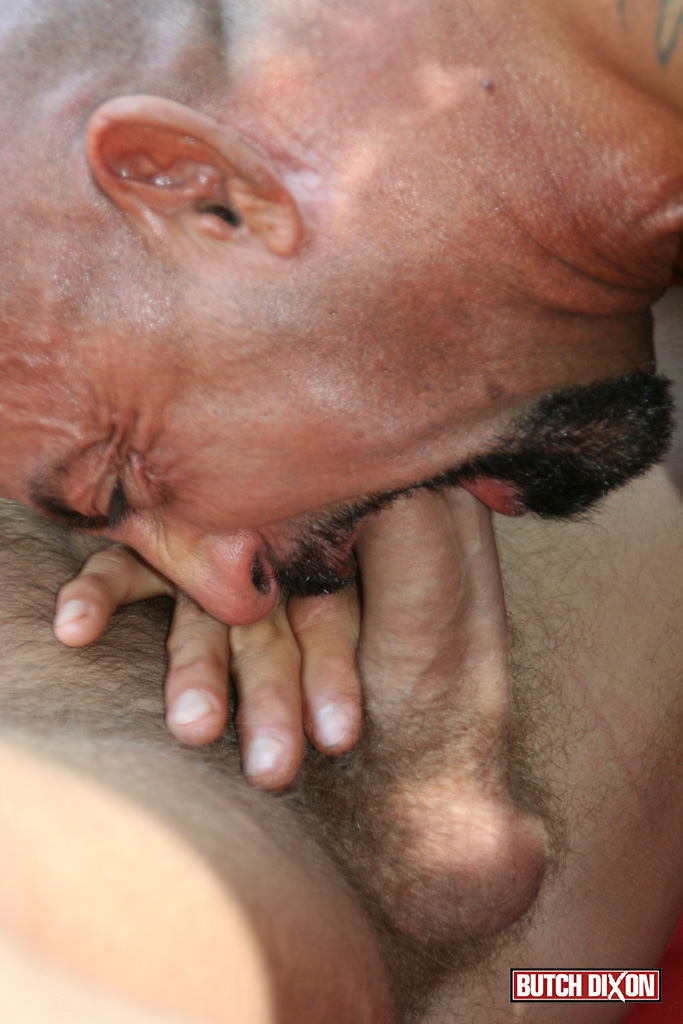 Butch-Dixon-Bo-Bangor-and-Drake-Jaden-Barebacking-Daddy-Muscle-Tatted-Stud-Amateur-Gay-Porn-14 Tatted Muscle Daddy Fucks His Younger New Neighbor Outside
