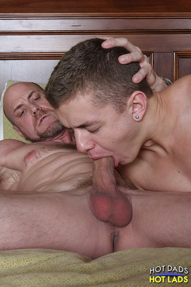 Hot Dads Hot Lads Ian Levine Parker Demian Muscle Daddy Getting Fucked By A Twink Amateur Gay Porn 05 Amateur Hung Muscle Daddy Gets Fucked By A Big Twink Cock