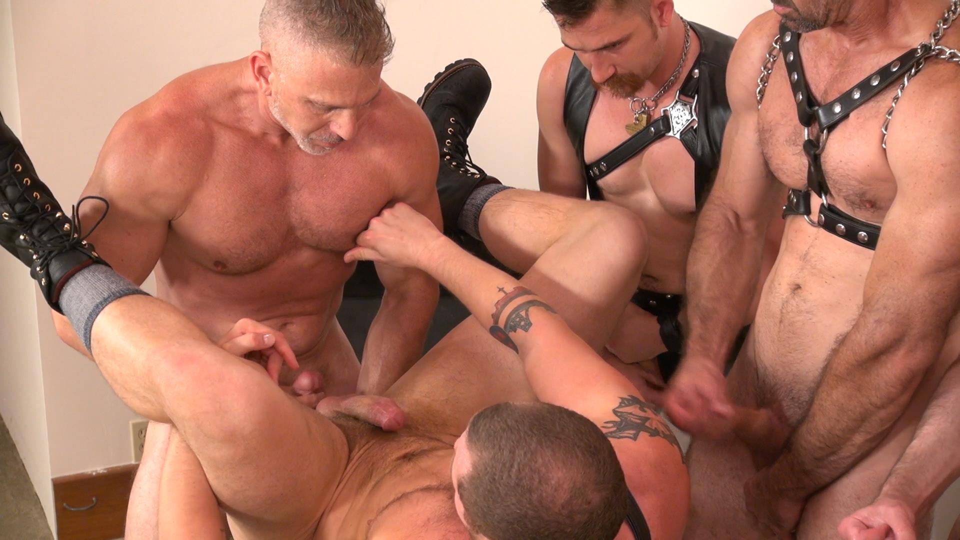 Raw-and-Rough-Jason-Mitchell-Steven-Richards-Sam-Dixon-Blue-Bailey-Dayton-OConnor-Jose-del-Toro-Bareback-Bathhouse-Amateur-Gay-Porn-08 Blue Bailey Getting Fucked Bareback By 5 Guys At A Bathhouse