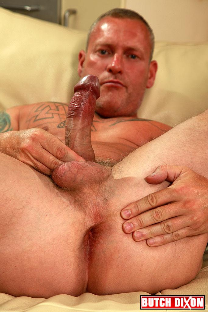 Butch-Dixon-Big-T-British-Muscle-Daddy-With-A-Big-Uncut-Cock-Amateur-Gay-Porn-13 British Muscle Daddy Jerking Off His Big 9