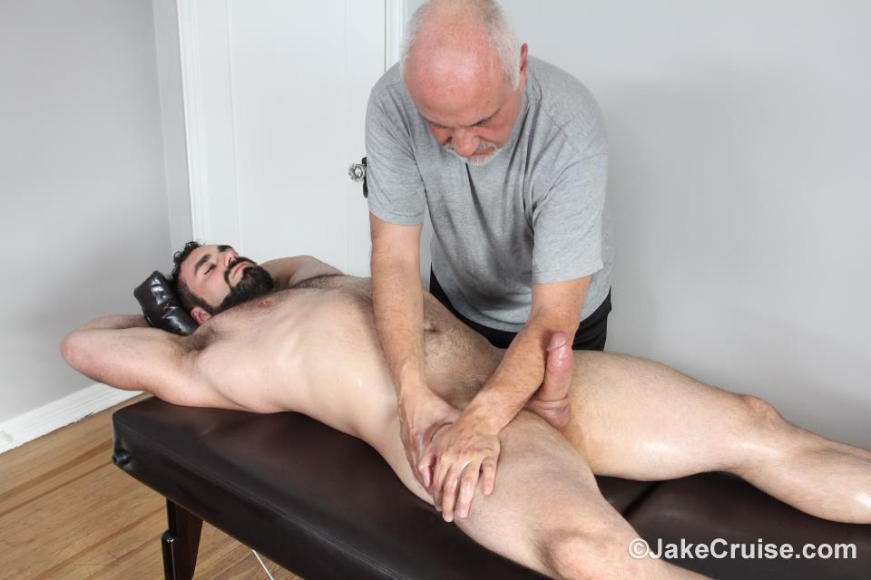 Jaxton Wheeler Jake Cruise Hairy Muscle Hunk With A Big Cock Free Gay Porn 18 Hairy Hunk Jaxton Wheeler Gets Serviced By An Older Man