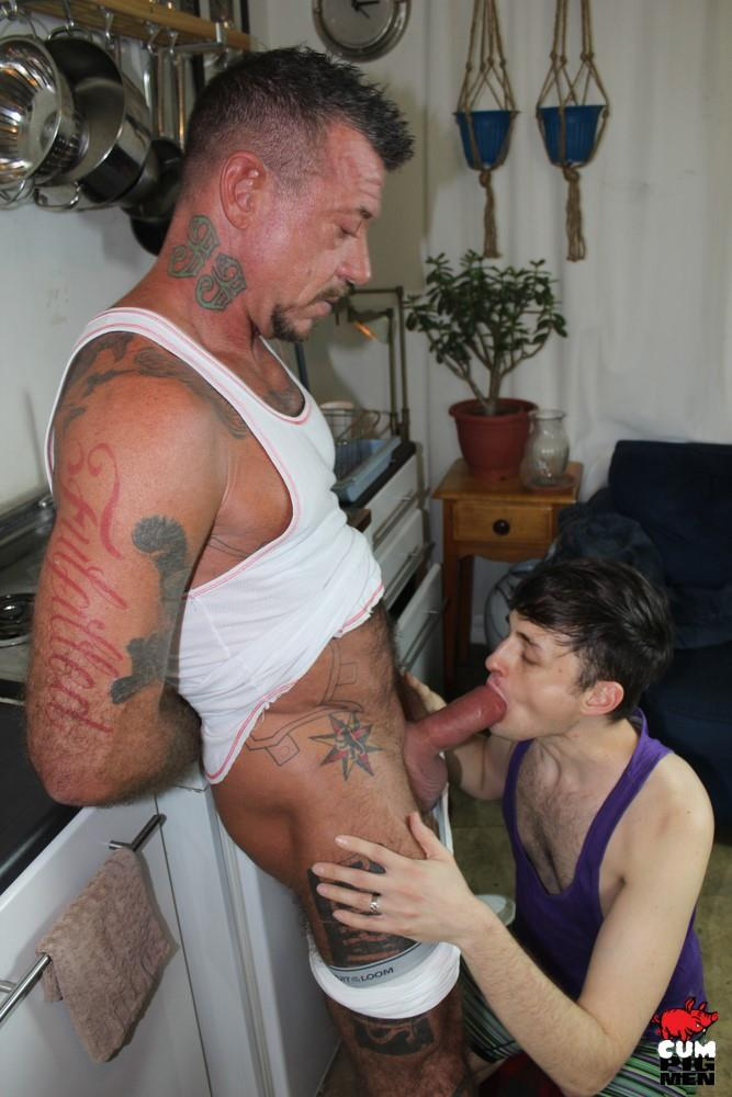 Cum-Pig-Men-Ray-Dalton-Daddy-Gets-His-Big-Cock-Sucked-07 Sucking The Cum Out Of A Big Thick Daddy Cock