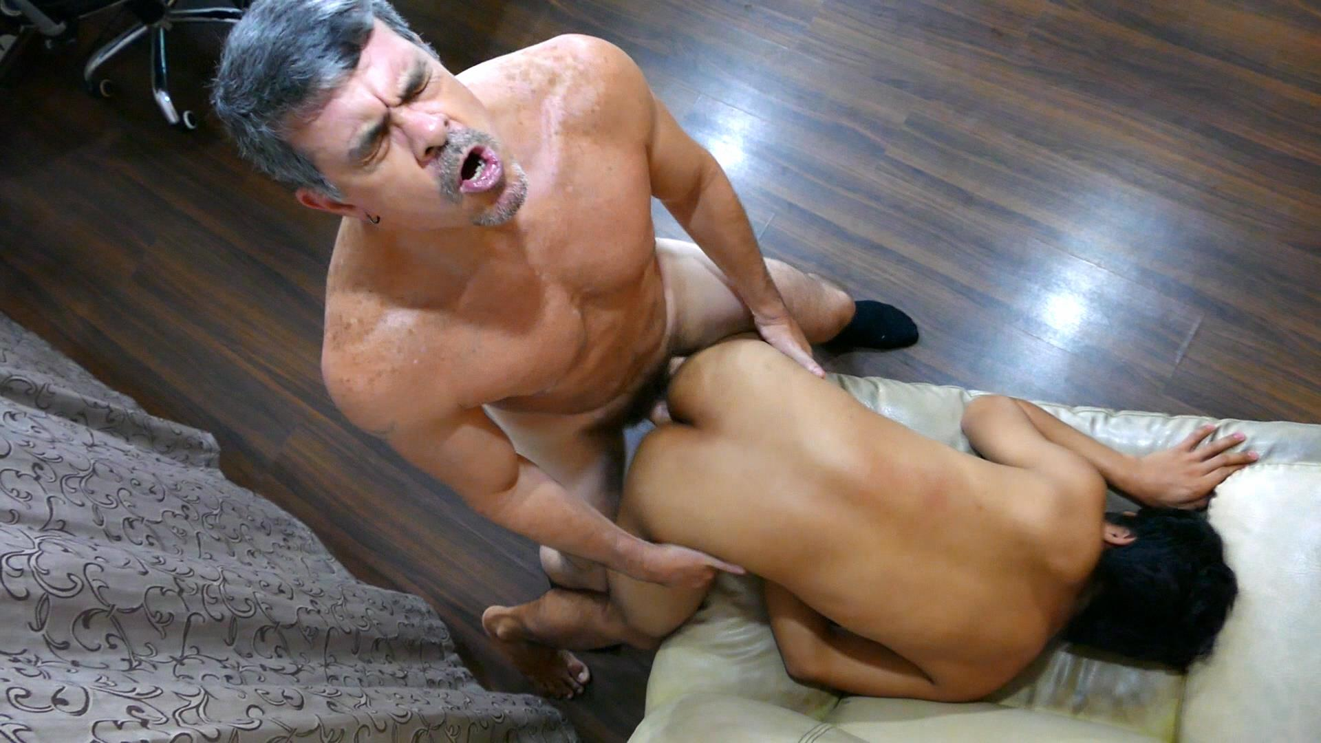 Daddys Asians Asian Twink Gets Barebacked By Daddy 24 Daddy Breeds An Asian Boy Ass During A Job Interview