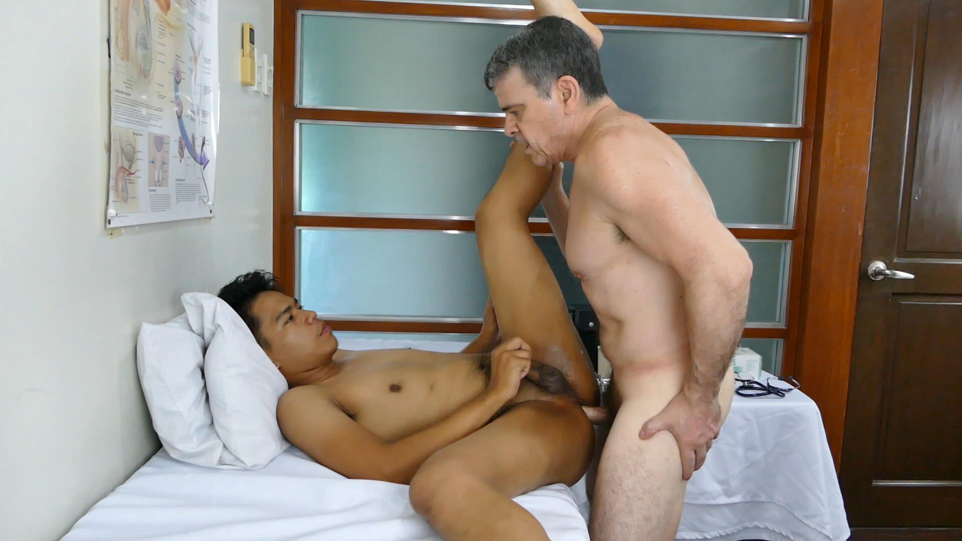 Daddys-Asians-Twink-Gets-Bareback-Fucked-By-Older-Man-22 Horny Asian Boy Takes A Hairy Daddy Dick Raw Up The Ass