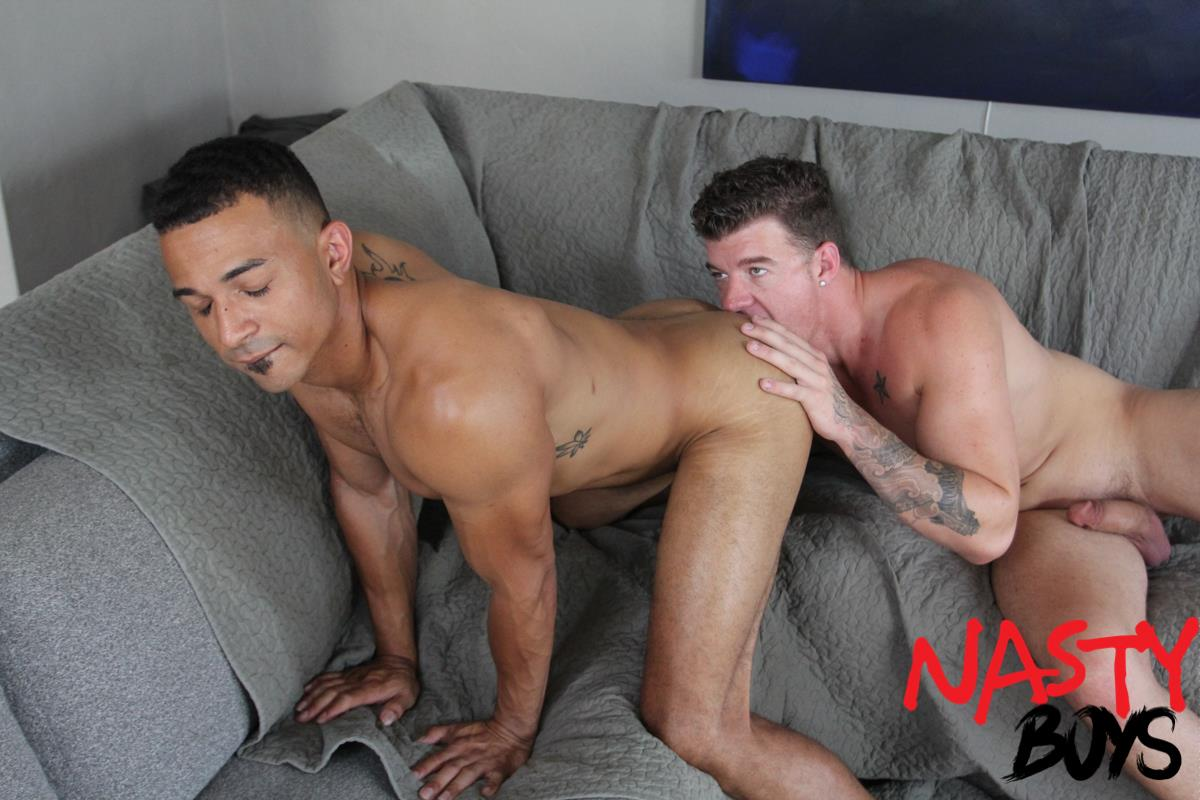 Nasty-Daddy-JJ-Knight-and-Zario-Travezz-Big-Dick-Daddy-Fucking-Bareback-6 Horse Hung Daddy JJ Knight Breeding Zario Travezz With His 10